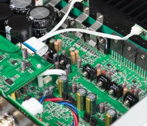 Amplificateur SA30 à l'intérieur