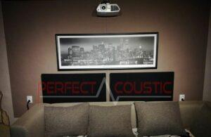 conception acoustique de cinéma maison avec absorbeur de basses rustique (2)