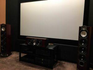 conception acoustique de cinéma maison avec absorbeur de basses rustique (3)