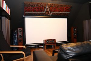 conception acoustique de salle de cinéma avec absorbeurs acoustiques (2)