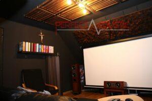 conception acoustique de salle de cinéma avec absorbeurs acoustiques (3)