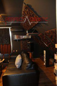 conception acoustique de salle de cinéma maison avec absorbeurs acoustiques (2)