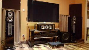 diffuseur acoustique placé dans la salle de cinéma (3)