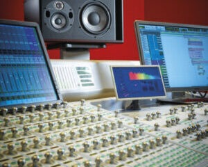 focal-trio11-be-red-studio-monitor-main-pic.-300x300