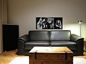 panneau acoustique imprimé sur le canapé