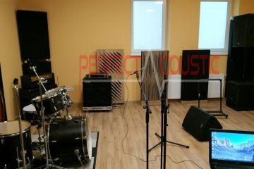 panneau avant diffuseur en studio (2)